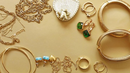 Keeping Jewelry Tangle Free When Packing