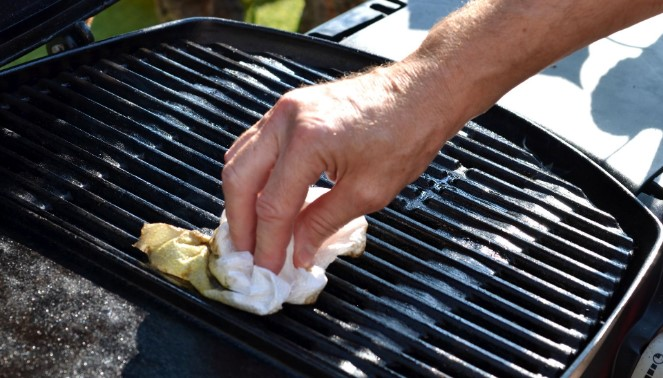 Clean The Grill With Ease