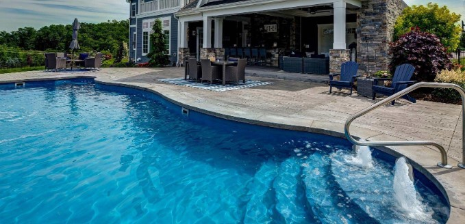 Pool Or Sea